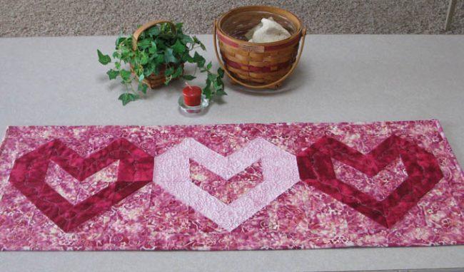 Valentine Heart Table Runner Tutorial