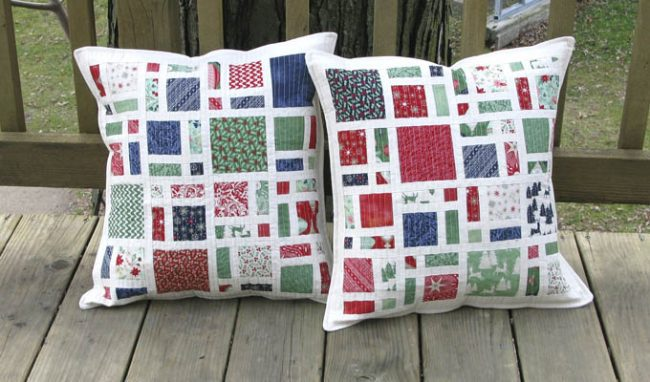 Mini Christmas Scattered Pillows