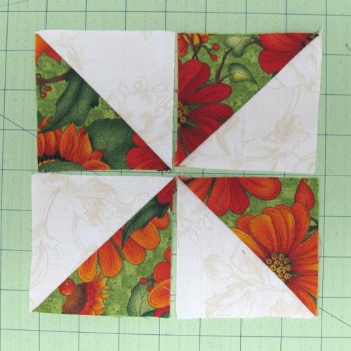 Table Runner Pinwheel tutorial - conniekresin.com