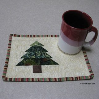Christmas Tree Mug Rug Tutorial cups