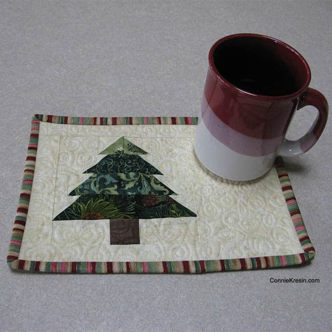 Christmas Tree Mug Rug Tutorial cups
