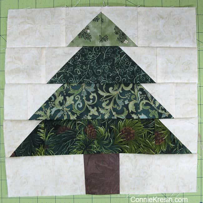 Christmas Tree Tablerunner tutorial block completed