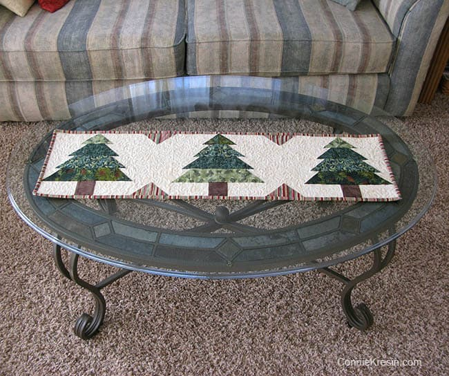 Christmas Tree Tablerunner tutorial on oval table