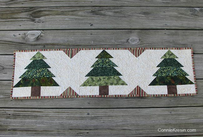 Christmas Tree Tablerunner tutorial on the deck