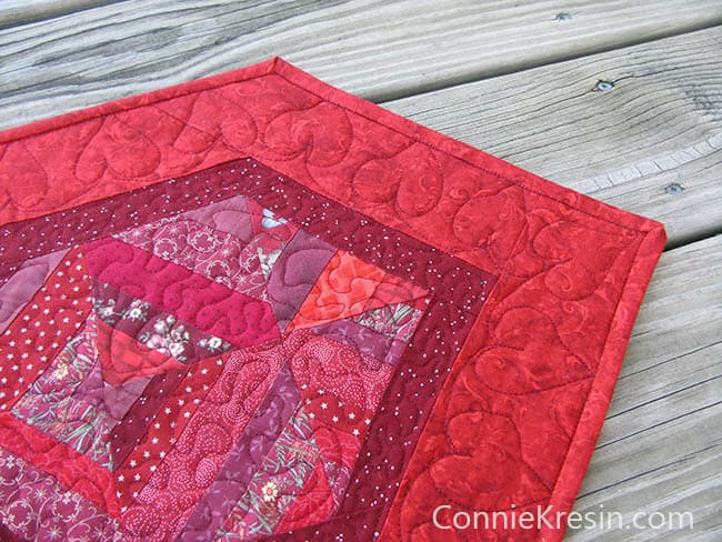 Red String table runner tutorial quilted corner closeup