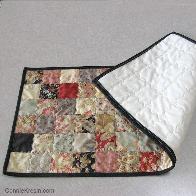 Quick and easy Table Runner tutorial showing quilting