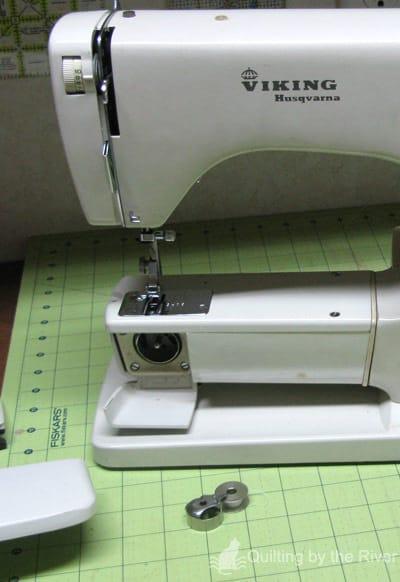 Viking Husqvarna Sewing Machine 6020
