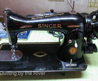 15-91 Singer Sewing Machine is back