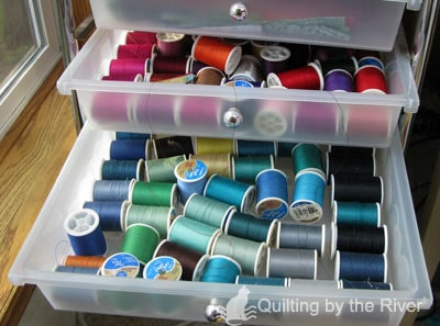 Thread organization in quilt studio