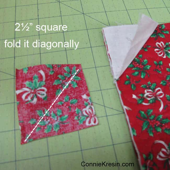 Christmas Mug Rug Tutorial added pockets to the back