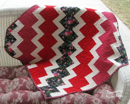 Red Wiggle Lap Quilt