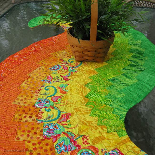 Spicy Spiral Table Runner Quilting