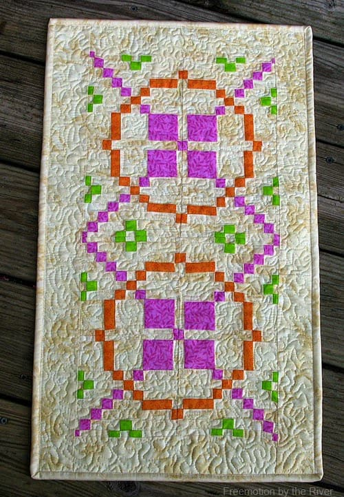 Remarkable Rectangle book review Sunny South Tablerunner