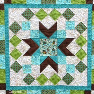 Whos Who quilted wall hanging tutorial closeup center block