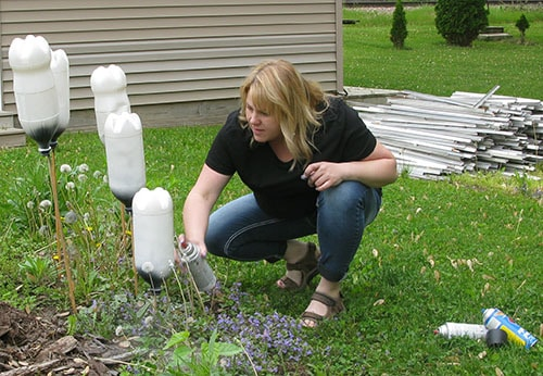 5 DIY soda bottle birdhouses tutorial paint them white first