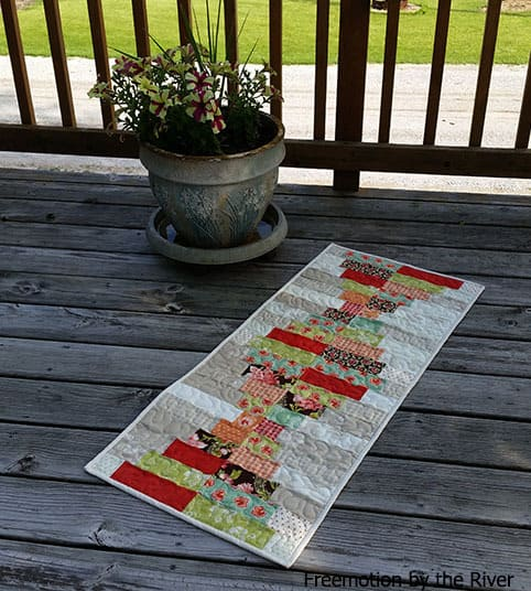Piano Keys tablerunner is a beautiful quilt pattern