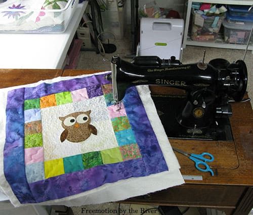 AccuQuilt tree owl pillow free motion quilting on vintage sewing machine