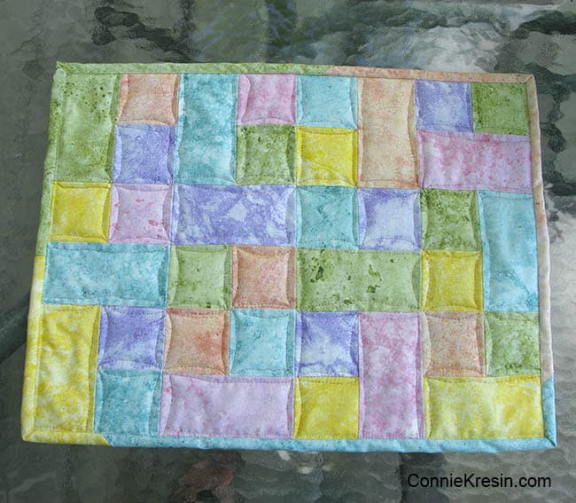 Happy placemats fast and easy tutorial placemat pieced and quilted