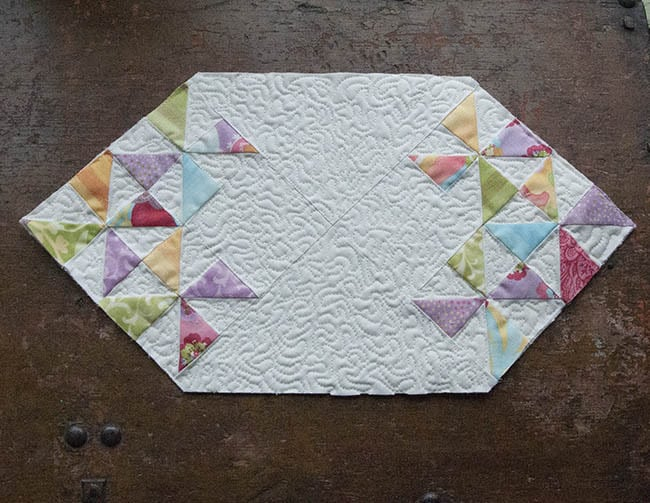Fast and Easy Mini Table Topper Tutorial quilted