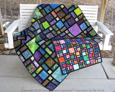 Showing the Scattered quilt pattern in a mini size
