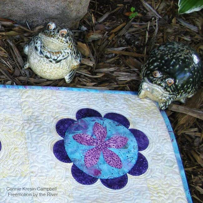 Summer Flower Table Runner Tutorial Frogs-Corner