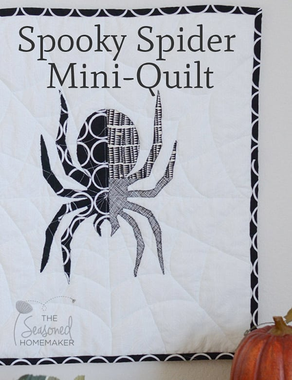 Halloween roundup spider mini quilt