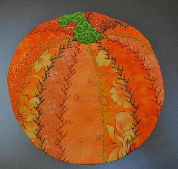 Halloween Roundup mug rug