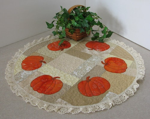 AccuQuilt Fall Medley table topper tutorial