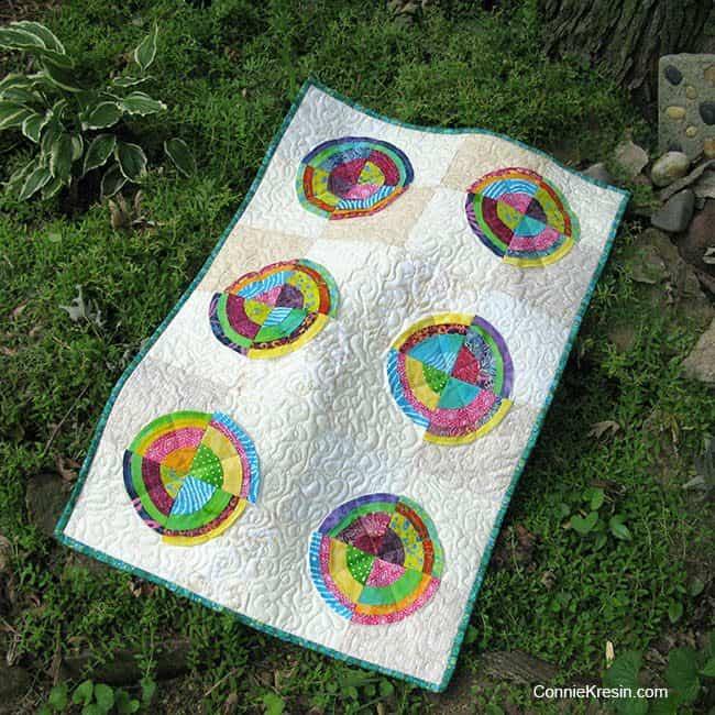 Bullseye quilt with 6 blocks