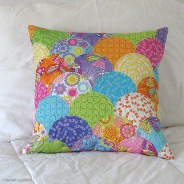 Applique clamshell pillow tutorial