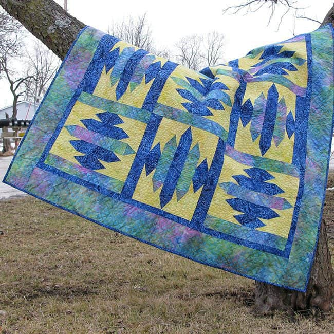 Blue Sapphire Quilt Pattern fast and easy to make #quilt #batiks #pattern #quilting