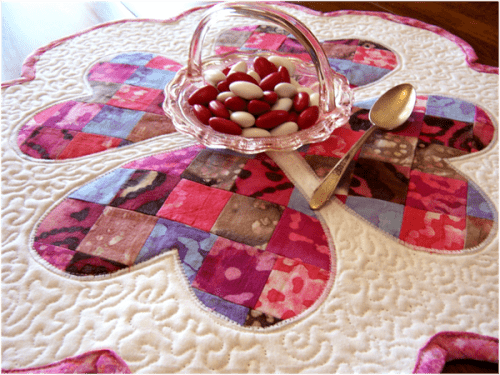Quilted Valentines Day Table Mat arthtreads-blogspot