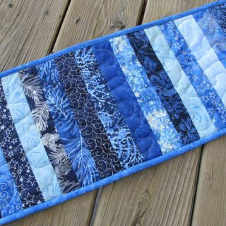 DIY Skinny Blue Batik Strips Tablerunner Tutorial #IslandBatik #Quilting #DIY #batiks #tutorial #tablerunner