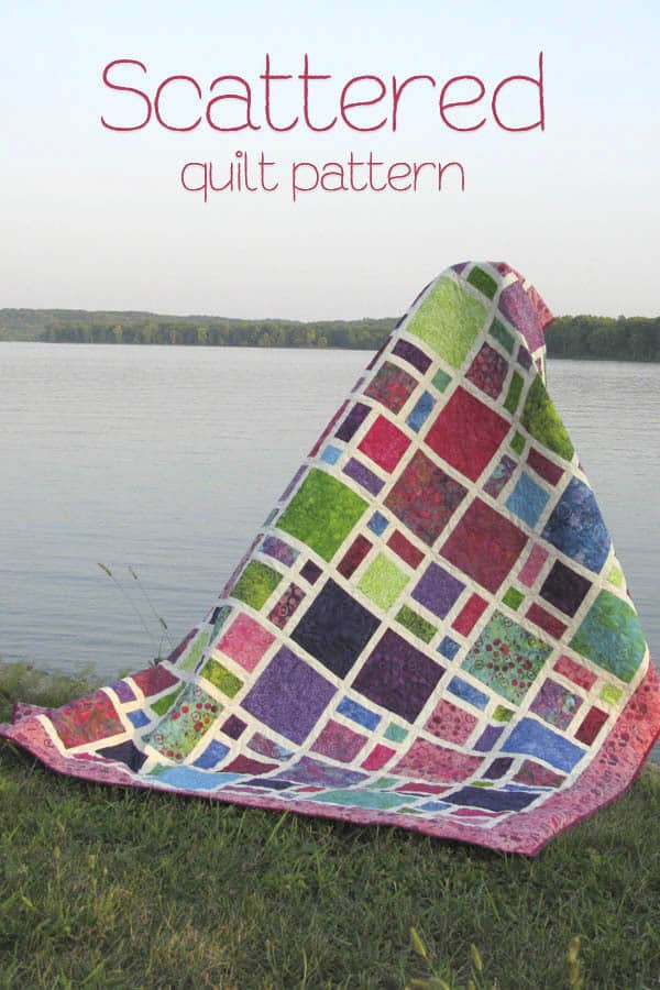 Scattered Quilt Pattern is fast and easy to make using quilt fat quarters #quiltpattern #fatquarters #batiks #quilt