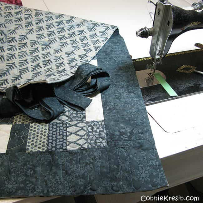 Binding for the Swirly quilted tablerunner