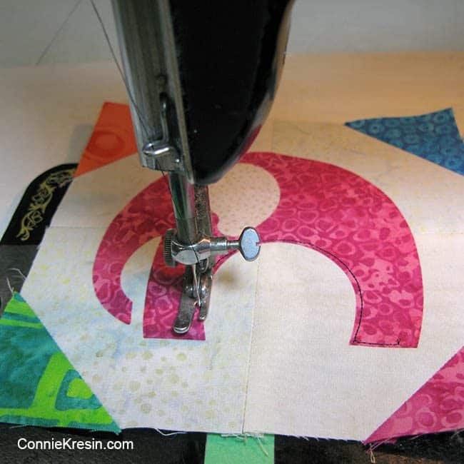Using my vintage 1591 Singer to do freemotion applique