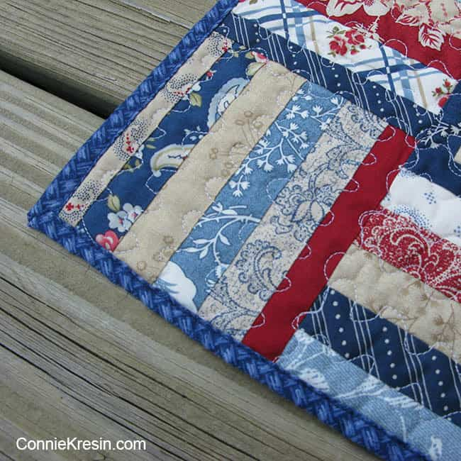 Independence day mini tablerunner closeup corner