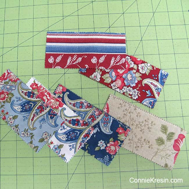 String mini quilt tablerunner charm square strips