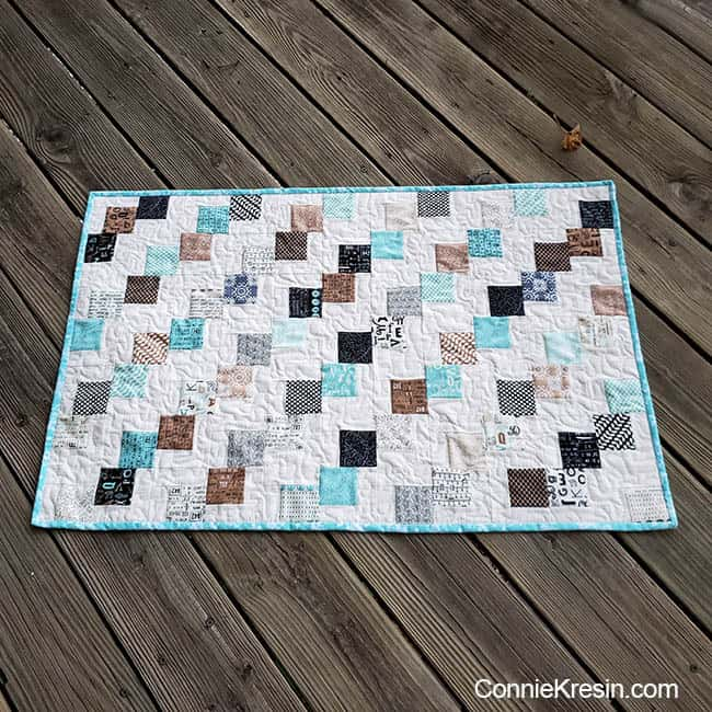 Mini Falling Charms quilted tablerunner easy tutorial