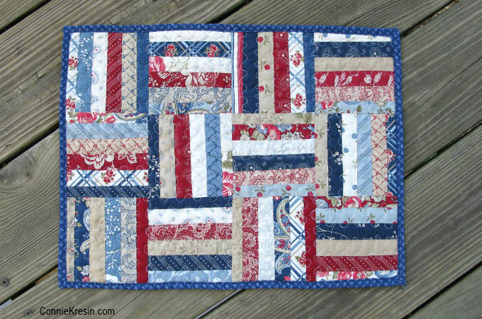 Mini string tablerunner in red white and blue tutorial