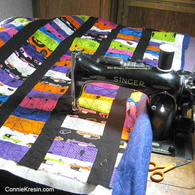 quilting the Eerie Halloween quilt