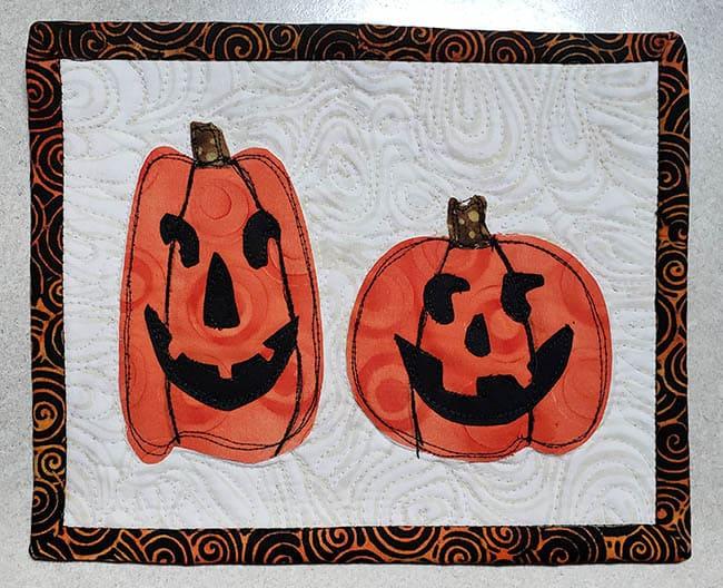 Halloween Two pumpkins mug rug finished