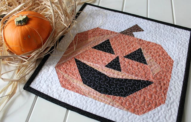 Paper pieced Pumpkin mini