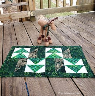 Winter Greens Christmas batik table runner tutorial fast and easy to make