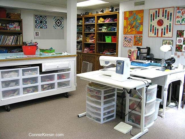 Quilt studio with sewing machines