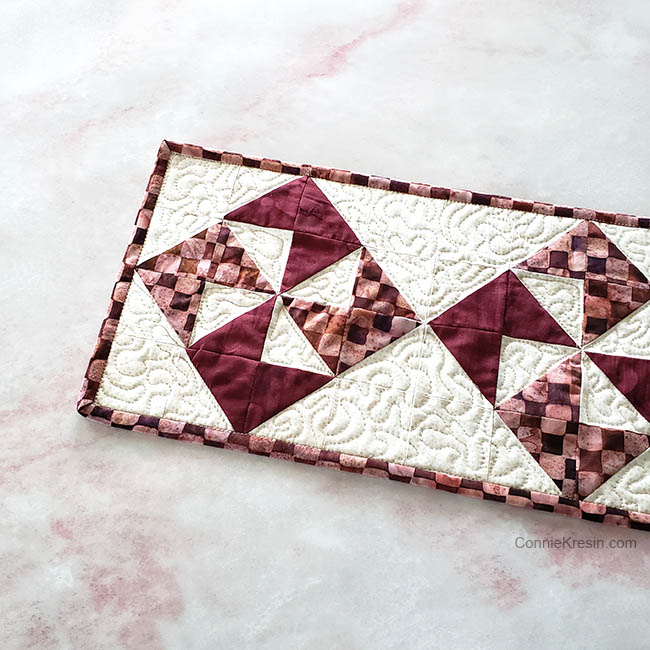 simple pinwheel quilt table runner tutorial free motion quilting