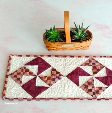 How to make a pinwheel block quilted tablerunner