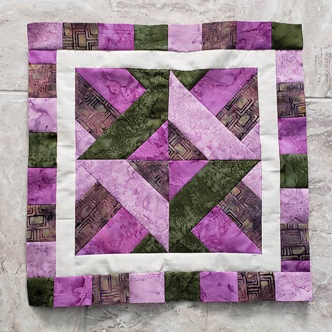 Artsy Fartsy Hidden Wells Quilt adding borders