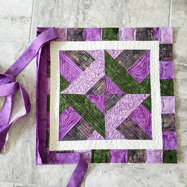 Artsy Fartsy Hidden Wells Quilt binding put on wrong