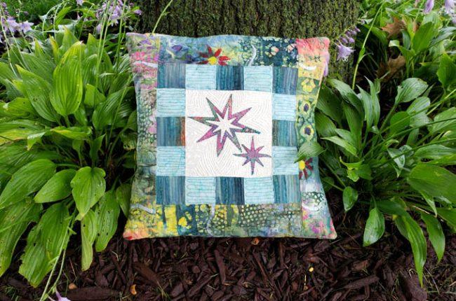 Eight Point Applique Star pillow tutorial featured
